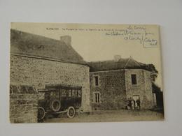COTES D'ARMOR-SAINT FIACRE-LE BUREAU DE TABAC ET L'ENTREE DE LA ROUTE DE GUINGAMP-AUTOBUS-ANIMEE - France
