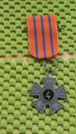 Medaille / Medal - Avondvierdaagse  ( 4 ) -  Evening Four-day Walk  (4) -  The Netherlands - Netherland