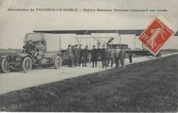 Toussus  Le Noble Aérodrome Biplan Maurice Farman Remorqué Sur Route - Toussus Le Noble