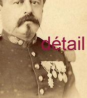 A Voir CDV Officier Contre épaulette, Médaillé époque 1870 Photo Berthault à Angers - Krieg, Militär