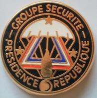 Pin's GENDARMERIE -  GROUPE DE SECURITE DE LA PRESIDENCE DE LA REPUBLIQUE - Army