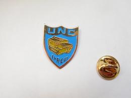 Beau Pin's , Armée Militaire ,  Anciens Combattants , UNC , Evreux ,  Eure - Armee