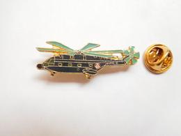 Beau Pin's , Aviation , Avion , Hélicoptére , Armée De L'Air , Signé Segalen Collection - Airplanes
