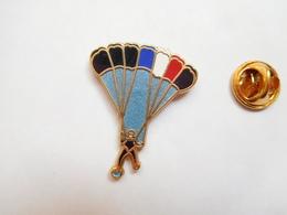 Beau Pin's En Zamac , Armée Militaire , Parachutisme , Para , Signé Boussemart - Army