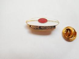 Beau Pin's En EGF  , Bateau , Marine Nationale , Signé Segalen Collection - Barcos