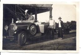 TORPEDO  HOTCHKISS  AVEC STATUETTE SPECIALE POUR BOUCHON DE RADIATEUR    EN INDOCHINE -   ANNEES 1920.30  PHOTO SEPIA - Automobiles