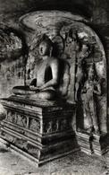 CEYLON - SRI LANKA - SENTED BUDDHA STATUE INSIDE THE CAVE AT GAL VIHARA - Sri Lanka (Ceylon)