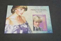 K22026 - Bloc MNH  Sierra Leone  - 2010 - Diana Princess Of Wales - Royalties, Royals