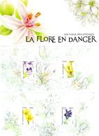 BLOC SOUVENIR LA FLORE EN DANGER (2 Blocs)** SOUS BLISTER  NON OUVERT. VOIR SCAN - Souvenir Blocks