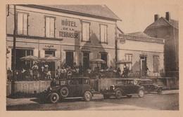 MONETEAU - L'HOTEL DE LA TERRASSE - BELLE CARTE TRES TRES ANIMEE - VEHICULES AUTOMOBILES - TOP !!! - Moneteau