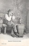 ( SUISSE ) - Travail Des Racines De Gentiane - OW Obwalden