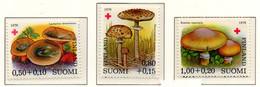 PIA - FINLANDIA  - 1978 : Pro Croce Rossa- Funghi - (Yv 796-98) - Funghi