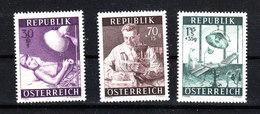 Austria   - 1954. Analisi Cliniche, Raggi X, Sala Operatoria. Clinical Analysis, X-rays, Operating Room. MNH - Medicina