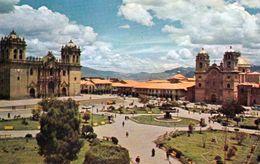 1 AK Peru * Plaza De Armas In Der Stadt Cuzco Mit Der Kathedrale Und Einer Weiteren Kirche – 1979 UNESCO Weltkulturerbe - Peru