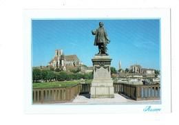Cpm - 89 - AUXERRE - Statue Paul Bert Cathédrale Travaux échafaudage Bateau - Auxerre