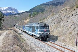 Saint Michel Les Portes (38 - France) 21/03/2012 - La BB 67363 En Tête D'un TER Gap / Grenoble - France