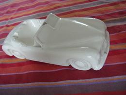 Cendrier Céramique Sarreguemines Automobile Simca Léger Pait Vers Le Parebrise - Porcelain