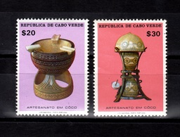 Cabo Verde,- Artesanato Em Còco. Lot Of Two Stamps . New NH. - Cape Verde