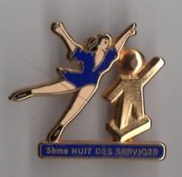 PIN'S PATINAGE 5 Eme NUIT DES SERVICES Signé DECAT 1992 - Skating (Figure)