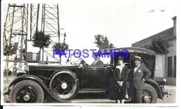 113007 AUTOMOBILE OLD CAR AUTO SEDAN AND DRIVER & COUPLE PHOTO NO POSTAL POSTCARD - Postales