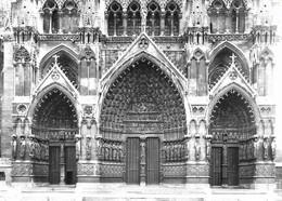 80 Amiens La Cathédrale Façade Occidentale Le Grand Portail (2 Scans) - Amiens