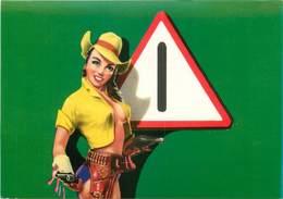CPSM FEMME PIN UP / CODE DE LA ROUTE - Pin-Ups