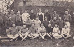Carte-Photo à Localiser : 22 Personnes En Tenues De Sport (Football ? Rugby ?) - Vincennes 1924 - Photo BIAUD à COSNE - A Identifier
