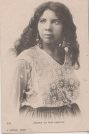 CPA Algérie. Femme Du Sud Algérien. - Femmes