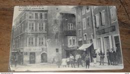 EMBRUN : La Poste Et La Place De Ma Mazeliere    …... … PHI.......2432 - Embrun