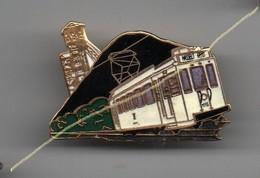Pin's Tramway Hasselt Genk, Vue Fosse Mine à L'arrière, Rare, Dos Doré Par Grafique..BT13 - Transports