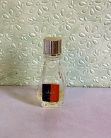"""Miniature Semi-ancienne  """" PARIS """" De VALOIS Eau De Cologne Sans Boite - Moderne Miniaturen (ab 1961)"""