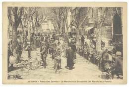 AVIGNON - Place Des Carmes - Le Marché Aux Occasions (dit Marché Aux Puces)  (599 ASO) - Avignon