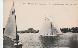 """MEULAN-LES MUREAUX (78). Vue Prise Du Ponton Du """"Cercle à La Voile"""". Deux Voiliers - Voiliers"""
