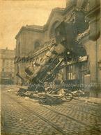 Gare Montparnasse. Spectaculaire Accident Du Train En Provenance De Granville, 1 Mort, La Fleuriste De La Place De Renne - Photos