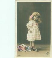 Cp  -  Enfants    , Bouquet De Fleurs            A926 - Scènes & Paysages