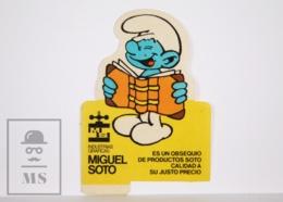 Sticker - The Smurfs / Les Schtroumpfs / Los Pitufos - Smurf Reading - 7 X 10 Cm - Pegatinas