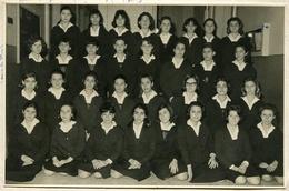 FOTOGRAFÍA DE ALUMNAS DEL COLEGIO GUIDO SPANO, PARA NIÑAS Y SEÑORITAS. AÑO 1963, ARGENTINA. PHOTO GIRLS GROUPE. - LILHU - Personas Anónimos