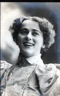 Portrait De Femme - Femmes Célèbres