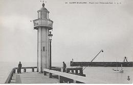 ST-NAZAIRE - ( 44 ) - Le Phare Sur L'estacade - Saint Nazaire