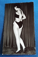 Altes PIN-UP Photo > Hübsche Junge Frau In Reizwäsche, Model-Erotik > Sexy Young Woman / Jeune Femme Erotique (ph28) - Pin-Ups