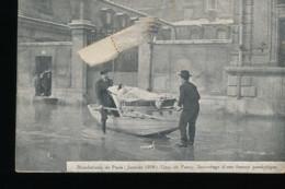 75 -- Paris Inonde -- Quai De Passy -- Sauvetage D'une Femme Paralytique - Inondations De 1910