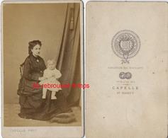 CDV Femme Et Son Bébé-photo Capelle à Saint Brieuc-photographie Centrale Des Côtes Du Nord - Anciennes (Av. 1900)