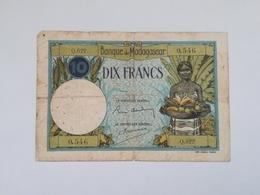 MADAGASCAR 10 FRANCS 1937-47 - Madagascar