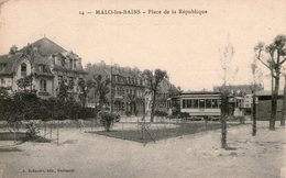 (106) CPA  Malo Les Bains  Place De La Republique (Bon état) - Malo Les Bains