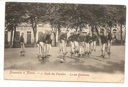 ALOST  Ecole Des Pupilles  Le Jeu D' Echasses - Aalst