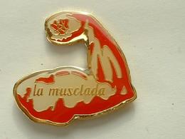 Pin's MUSCULATION - LA MUSCLADA - Sonstige
