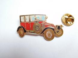 Beau Pin's En EGF , Auto Renault Ancienne , 12 CV , Type JM 1921 , Signé Segalen Collection - Renault