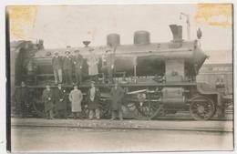 STEAM LOCOMOTIVE VAPEUR TRAIN  RAILWAY RAILROAD ,Men , Railway Workers - YUGOSLAVIA - Original Vintage Damaged Photo - Trenes