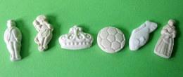 Fèves Anciennes Plates En Biscuit X 6 - Anciennes