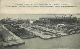 """SAINT NAZAIRE - Vue Générale Des Cales Sèches Avec Le """"Sphinx"""" En Achèvement. - Steamers"""